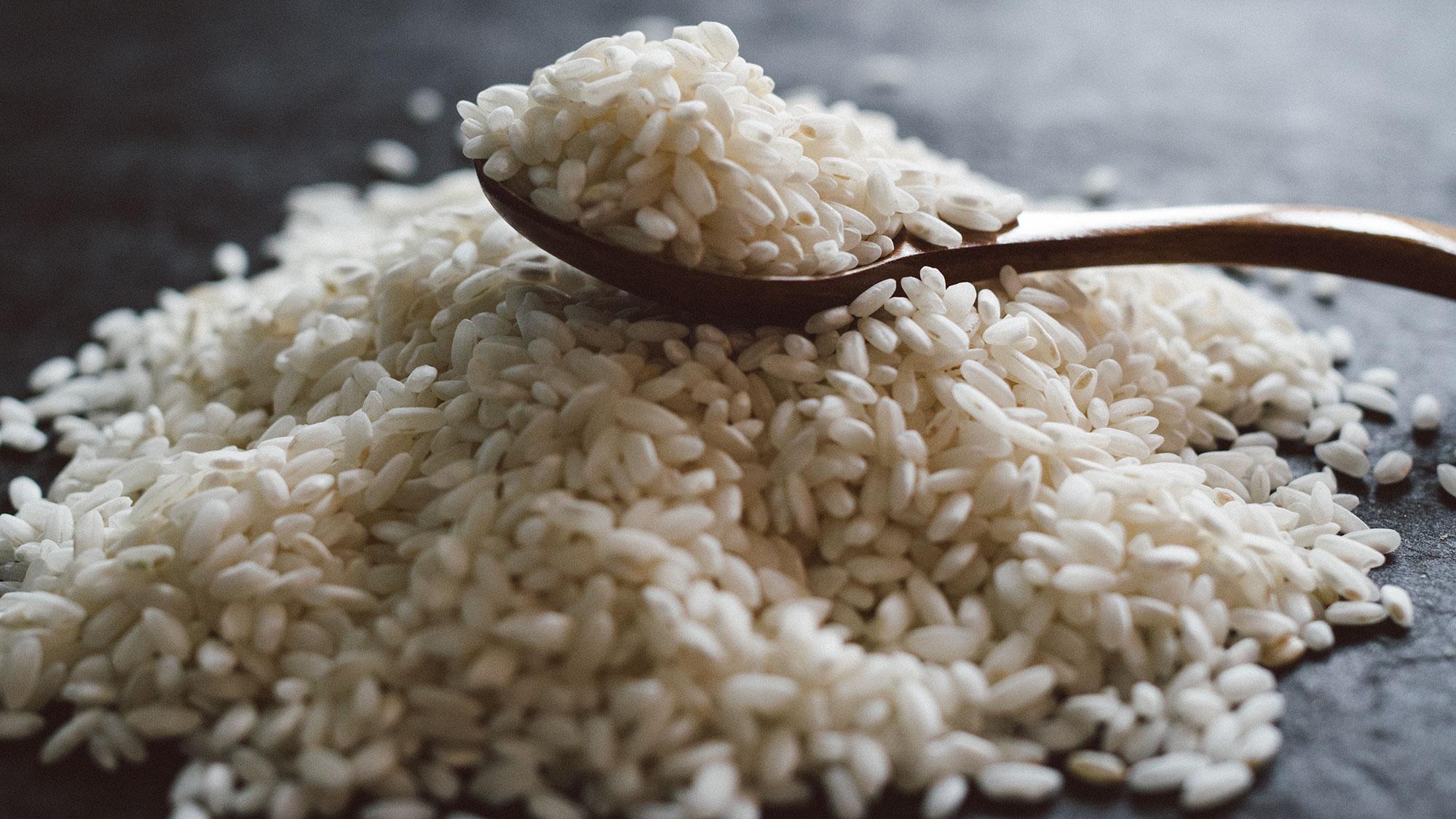 pile-of-arborio-rice